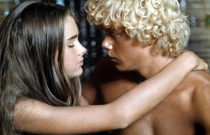 Brooke Shields y Christopher Atkins en 'El lago azul', 1980. (Photo by Columbia Pictures/Getty Images)