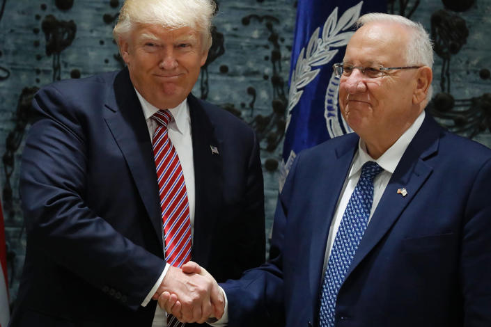 <p>US President Donald Trump (L) and Israel's President Reuven Rivlin shake hands following a press conference at the president's residence in Jerusalem on May 22, 2017. (Photo: Thomas Coex/AFP/Getty Images) </p>