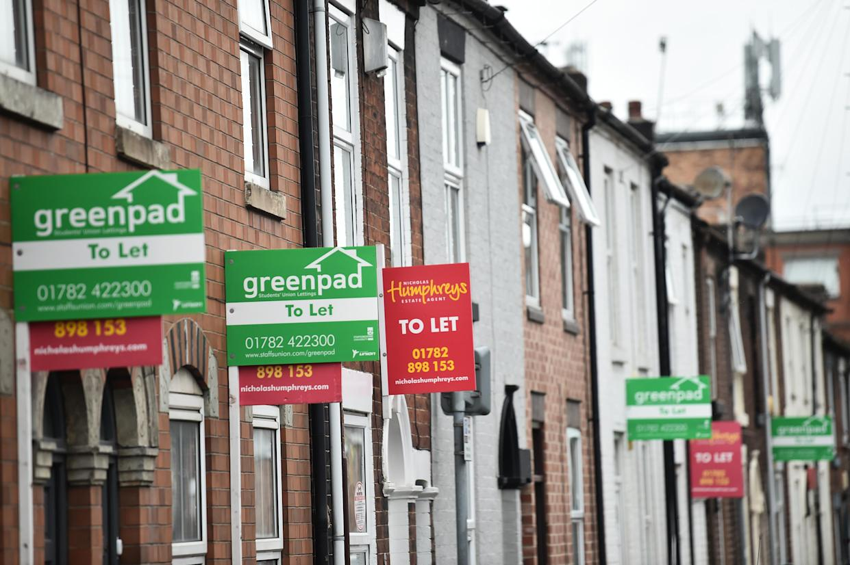 STOKE, ENGLAND - MAY 20:  Placards from various estates agents advertising properties To Let are left on housing properties on May 20, 2021 in Stoke, England . (Photo by Nathan Stirk/Getty Images)