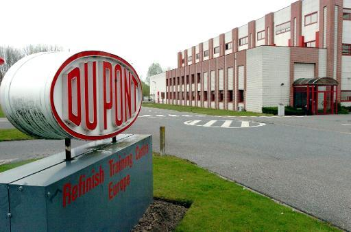 US court overturns $920 mln award to DuPont