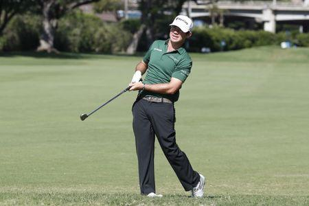 Kirk, Zach Johnson lead Sony Open, Spieth takes late tumble