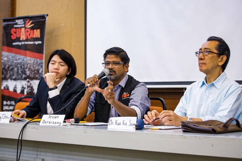 (From left) Suaram programme manager Dobby Chew, Suaram executive director, Sevan Doraisamy and Suaram adviser Kua Kia Soong during a press conference in Kuala Lumpur December 9, 2019. — Picture by Hari Anggara