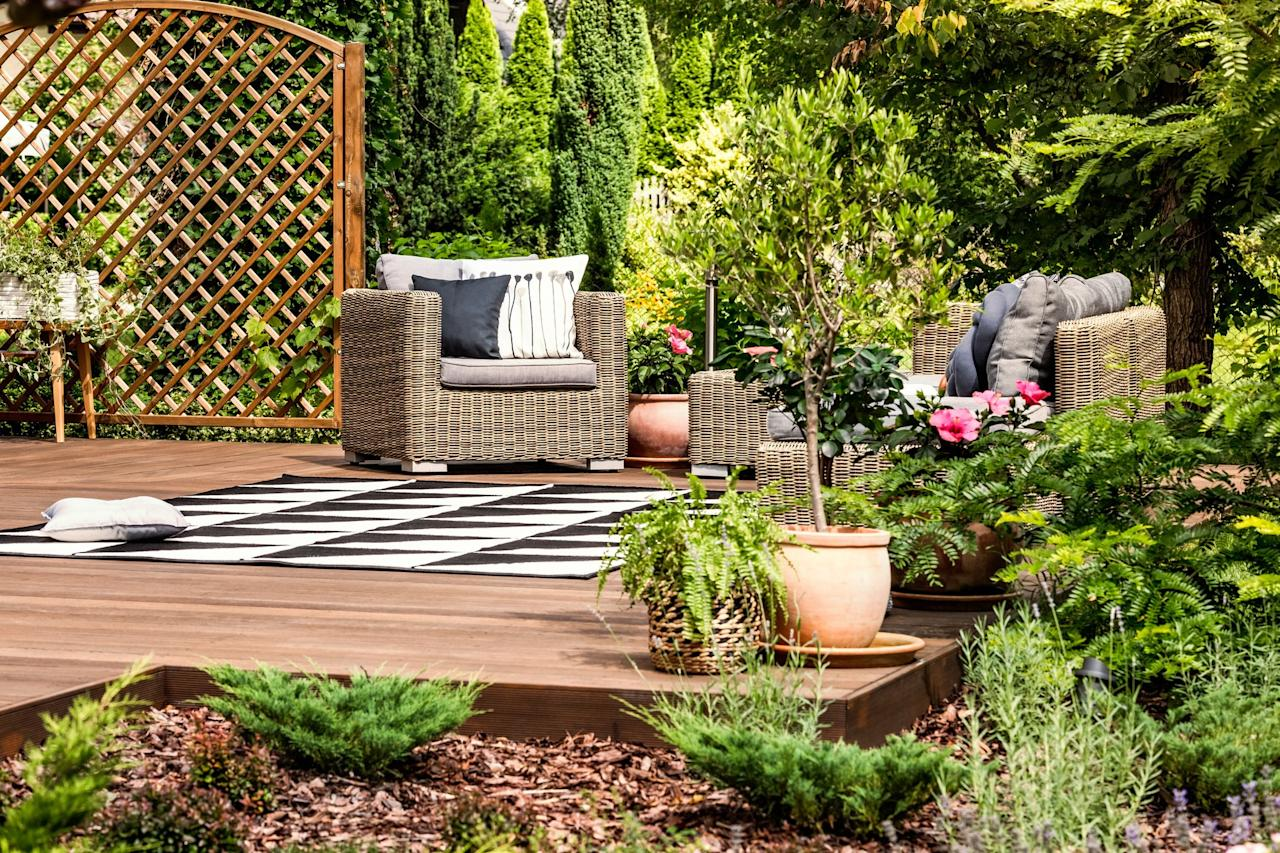 """<p>There are several things that can finally complete your <a href=""""https://www.countryliving.com/gardening/garden-ideas/g2314/backyard-ideas/"""" target=""""_blank"""">backyard</a>, like a classic white picket <a href=""""https://www.countryliving.com/gardening/garden-ideas/g25633375/backyard-fence-ideas/"""">fence</a> or a <a href=""""https://www.countryliving.com/gardening/garden-ideas/g27104528/low-maintenance-bushes-shrubs/"""">garden </a>brimming with gorgeous blooms. But there <em>is</em> something that perhaps you haven't thought of: a floating deck. If you're not familiar with this particular kind of deck, it's  one that is <em>not</em> attached to a house and oftentimes looks as if it's, well, """"floating."""" They also tend to be easier to build than a standard deck, with railings that connect to a structure, plus they can go virtually anywhere. Could your <a href=""""https://www.countryliving.com/gardening/g4195/best-fragrant-outdoor-plants/"""">garden </a>use a resting spot where you'll display plants and a bistro set? How about a mini deck for your child's <a href=""""https://www.countryliving.com/diy-crafts/g28482424/kids-playhouse-ideas/"""">playhouse</a>? Or if you're working with a sloped backyard or an awkward corner, a floating deck could be just the perfect solution. They're also ideal for <a href=""""https://www.countryliving.com/gardening/garden-ideas/g1435/outdoor-kitchens/"""">outdoor kitchens</a> and setting up hammocks. The other bonus is you can build onto them to suit your needs and tastes, like adding a <a href=""""https://www.countryliving.com/home-design/decorating-ideas/g25596084/pergola-ideas/"""">pergola</a>, walls, or a privacy screen. Here are 12 DIY ideas that will get you started.</p>"""