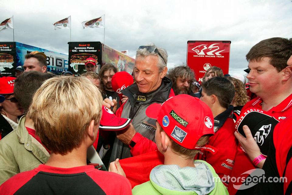 "Peter Brock signs autographs for fans<span class=""copyright"">Mark Horsburgh, Edge Photographics</span>"
