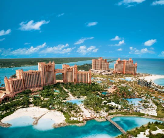 The Bahamas make for a sunny alternative to a snowy New Year s   Photo   Atlantis Resort Facebook. Yahoo Ranks the World s Top New Year s Eve Celebrations  Video