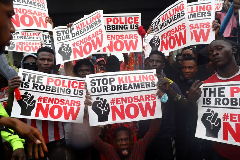 Why are Nigerians protesting against police brutality?