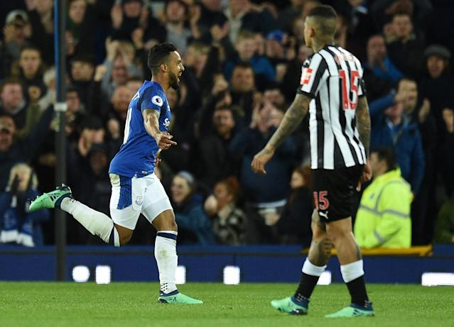 Theo Walcott fires winner to offer Everton some respite and bring Newcastle's purple patch to an end