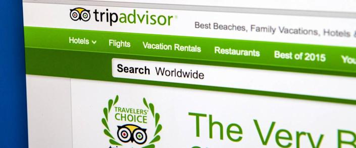 <cite>chrisdorney / Shutterstock</cite> <br>Pay attention to passenger reviews about airlines.<br>