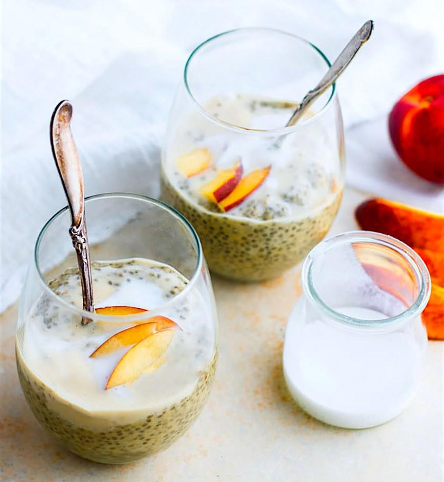 """<p><a rel=""""nofollow"""" href=""""http://www.self.com/gallery/15-foods-with-a-shockingly-high-amount-of-fiber?mbid=synd_yahoofood"""">Chia pudding is great not just because it's full of fiber</a> and protein, but also because you can prep it before you go to bed. When you wake up, it will be ready to eat. Get the recipe <a rel=""""nofollow"""" href=""""http://www.cottercrunch.com/peaches-and-cream-vegan-chia-pudding-recipe?mbid=synd_yahoofood"""">here</a>.</p><p><b>Per one serving:</b> <em>199 calories, 22 grams carbohydrates</em></p>"""