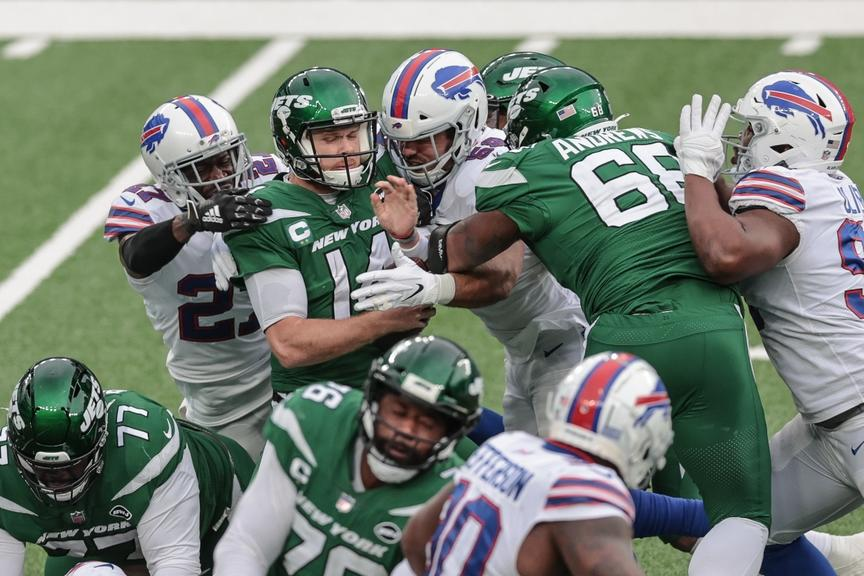 Bills swarm Sam Darnold