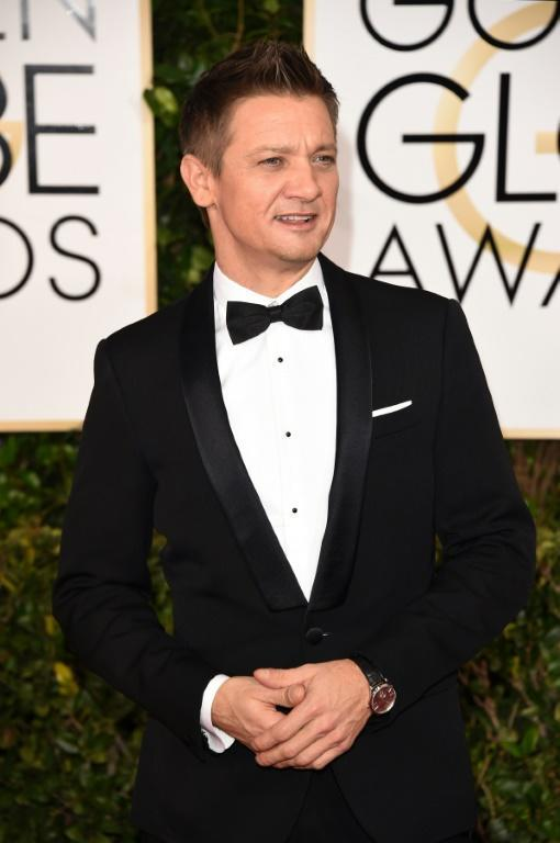Actor Jeremy Renner sparked a Twitterstorm with his off-color joke about Jennifer Lopez at the 2015 Golden Globes