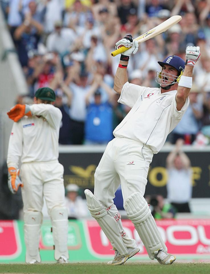 LONDON - SEPTEMBER 12:  Kevin Pietersen of England celebrates his maiden Test century during day five of the Fifth npower Ashes Test between England and Australia played at The Brit Oval on September 12, 2005 in London, United Kingdom  (Photo by Hamish Blair/Getty Images)