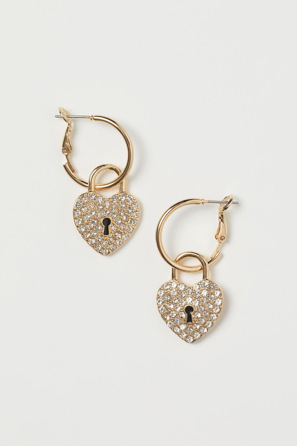 <p>These <span>H&amp;M Earrings with Pendants</span> ($10) will pair well with everything.</p>