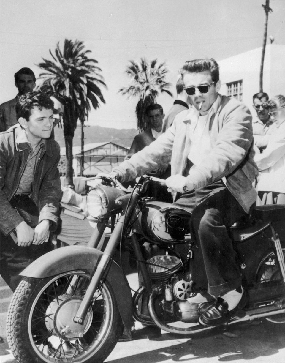 <p>Much to the studio's chagrin, Dean never stopped riding his motorcycle. </p>