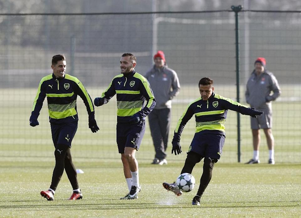 Arsenal trains at the club's complex in London Colney in December 2016 (AFP Photo/ADRIAN DENNIS)