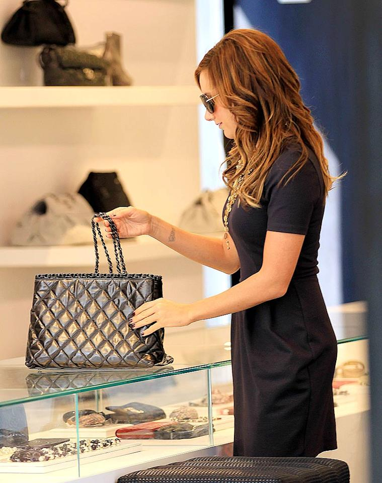 "The mother-daughter duo were spotted browsing -- and occasionally buying -- at the Chanel store, Scoop, and the Kardashian family's Dash boutique in the city's SoHo neighborhood. Jackson Lee/<a href=""http://www.splashnewsonline.com"" target=""new"">Splash News</a> - April 11, 2011"