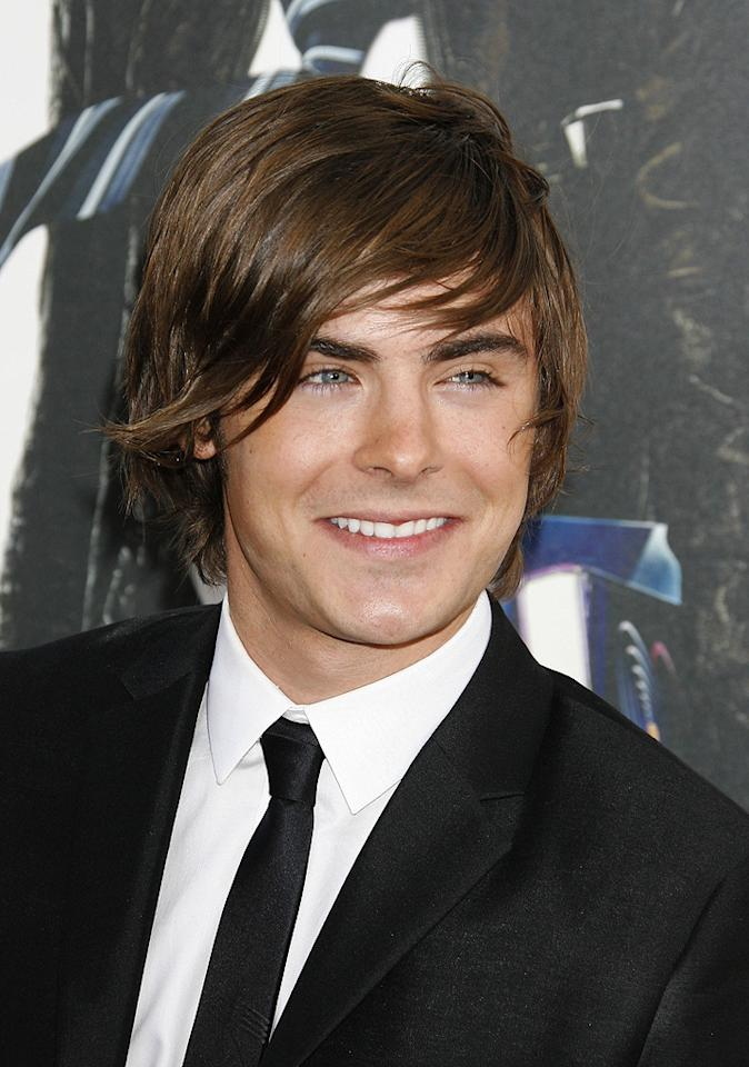 """<a href=""""http://movies.yahoo.com/movie/contributor/1808543881"""">Zac Efron</a> at the Los Angeles premiere of <a href=""""http://movies.yahoo.com/movie/1810038675/info"""">17 Again</a> - 04/14/2009"""