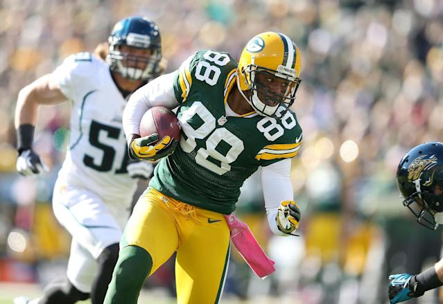GREEN BAY, WI - OCTOBER 28: Jermichael Finley #88 of the Green Bay Packers runs with the ball during the NFL game against the Jacksonville Jaguars at Lambeau Field on October 28, 2012 in Green Bay, Wisconsin. (Photo by Andy Lyons/Getty Images)