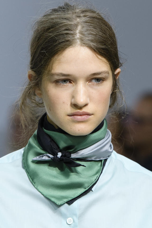 <p><i>Green and blue color-blocked scarf from the SS18 Margaret Howell collection. (Photo: ImaxTree) </i></p>