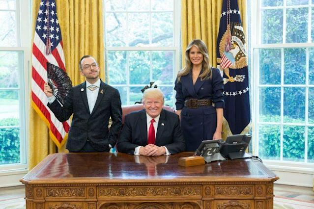 Nikos Giannopoulos with President Trump and first lady Melania Trump in the Oval Office. (Photo: Shealah Craighead/courtesy White House)
