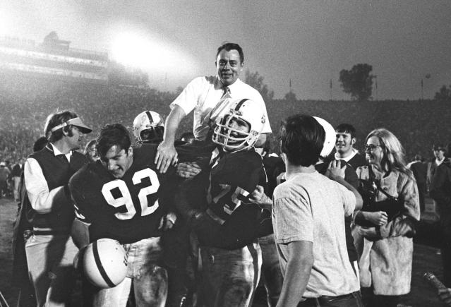 John Ralston's coaching career spanned five decades and all levels of football. (AP Photo/File)