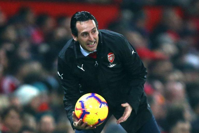 Arsenal boss Unai Emery shows Man Utd how to move on from an iconic manager