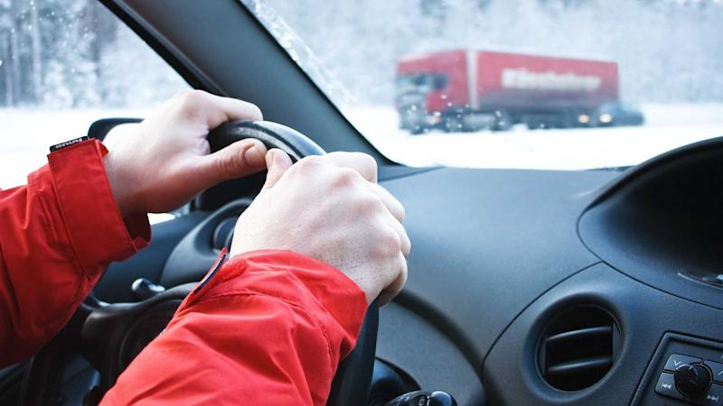 Driving in winter snowfall conditions