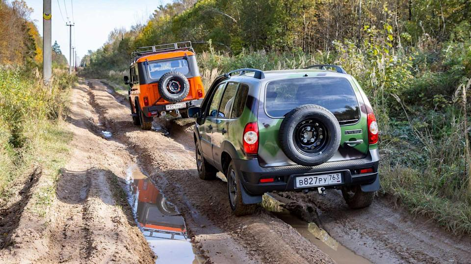 UAZ Hunter Expedition vs Lada Niva fuoristrada