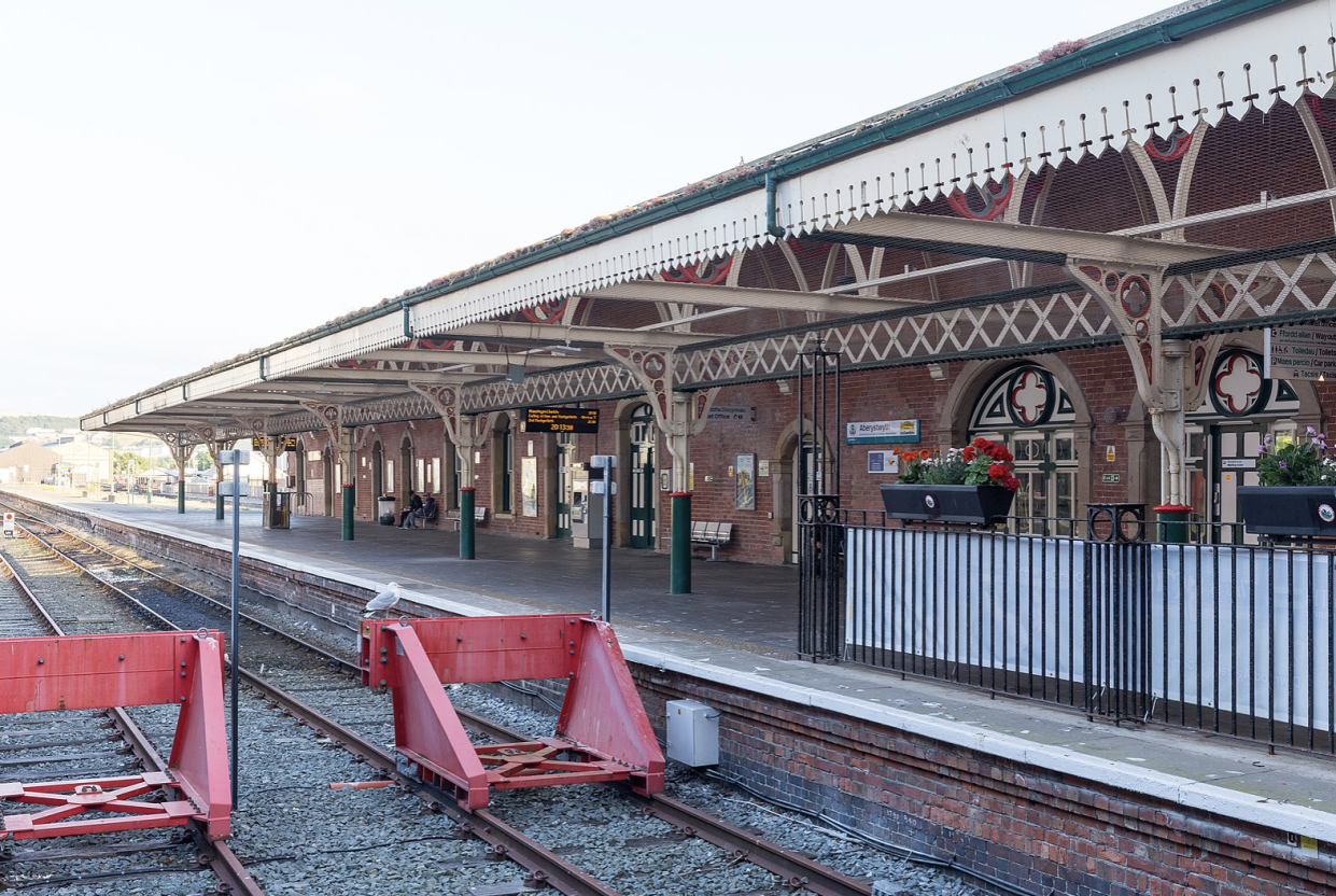 Williams was travelling to Aberystwth station (Creative Commons) https://creativecommons.org/licenses/by-sa/4.0/deed.en