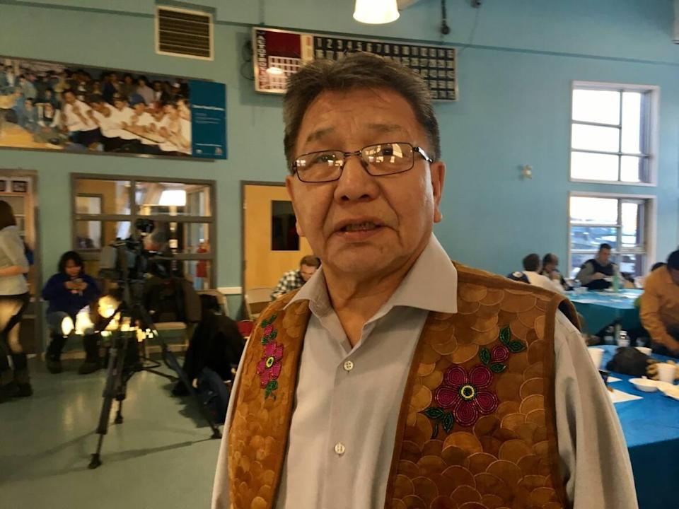 Alfonz Nitsiza, chief of Whati, N.W.T., says the federal government needs to clearly communicate with N.W.T. communities about the incoming vaccine mandate for air travellers. (Mark Rendell/CBC - image credit)