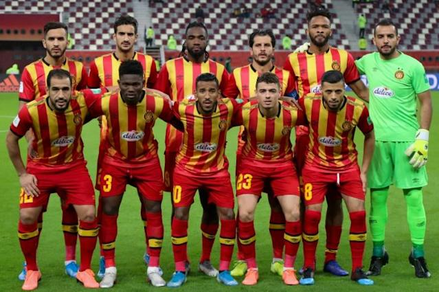 CAF Champions League trophy-holders Esperance of Tunisia drew 2-2 with Raja Casablanca of Morocco to reach the quarter-finals (AFP Photo/KARIM JAAFAR)