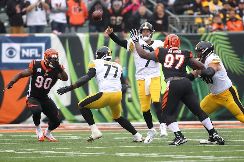 Steelers players rally behind Antonio Brown, condemn Vontaze Burfict