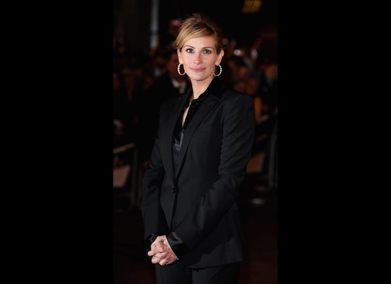Actress Julia Roberts arrives for the UK Premiere of Duplicity at the Empire Cinema, Leciester Square on March 10, 2009 in London, England. (Photo by Tim Whitby/Getty Images)