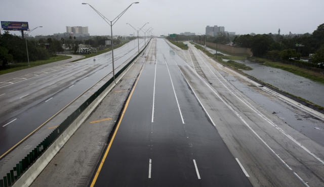 <p><strong>Fort Lauderdale</strong><br>The I-95 freeway is deserted in Fort Lauderdale, Fla., as Hurricane Irma blows in on Sept. 10, 2017. (Photo: Paul Chiasson/The Canadian Press via AP) </p>
