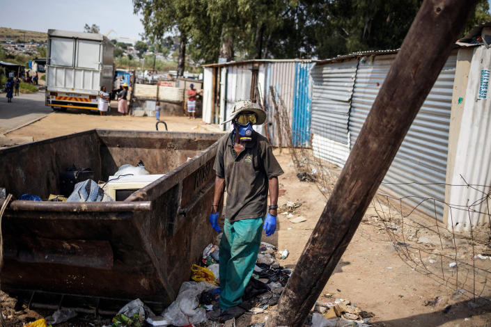 Image: Garbage picker in Johannesburg (Michele Spatari / AFP - Getty Images)