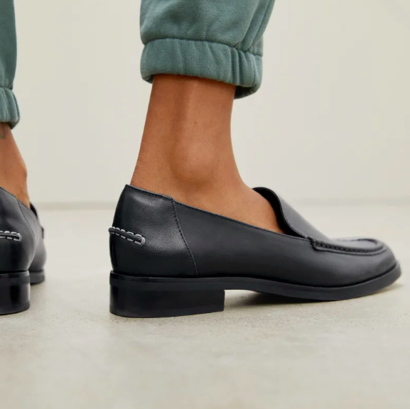The Modern Loafer in Black. Image via Everlane.