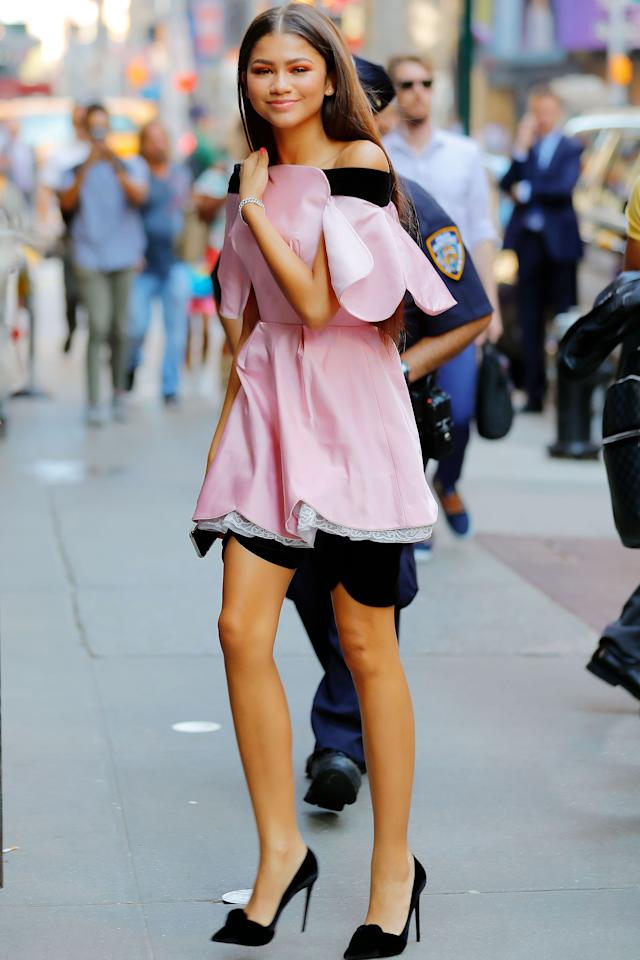 <p>Zendaya is pretty pink as she arrives at GMA in New York City.</p>