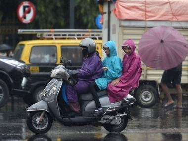 Mumbai rains: City and suburbs likely to face few spells of rains in next 48 hours, predicts IMD