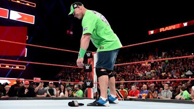 John Cena forderte den Undertaker bei WWE Monday Night RAW final heraus