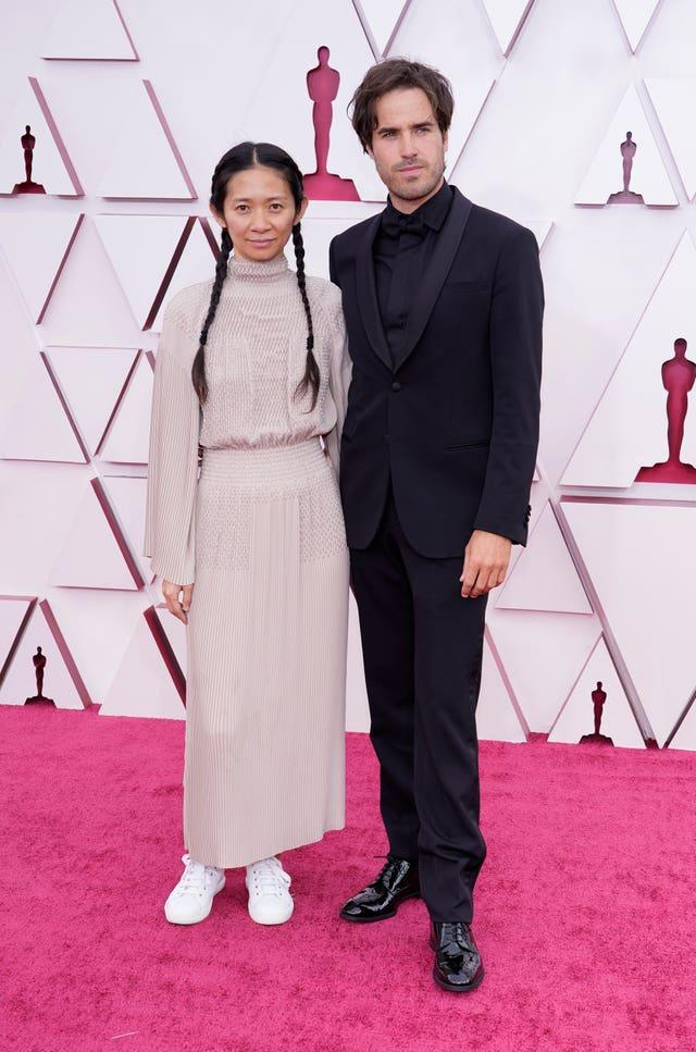 Chloe Zhao, left, and Joshua James Richards at the 93rd Academy Awards