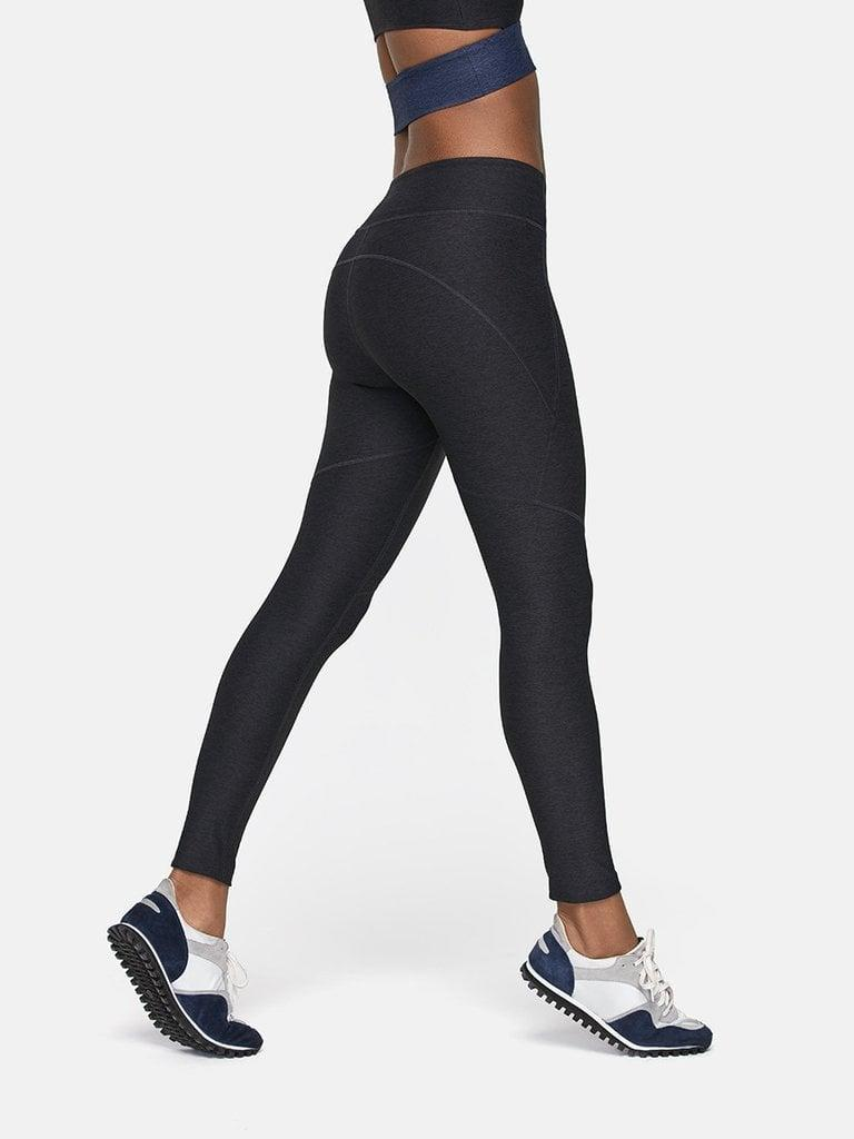 <p>These <span>Outdoor Voices 7/8 Warmup Leggings</span> ($78) were made with OV's signature Textured Compression, so they'll keep you held in and looking amazing.</p>