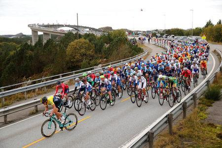 Cycling - UCI Road World Championships - Men Elite Road Race - Bergen, Norway - September 24, 2017 – Competitors are seen in action at the begining of the race. NTB Scanpix/Cornelius Poppe via REUTERS