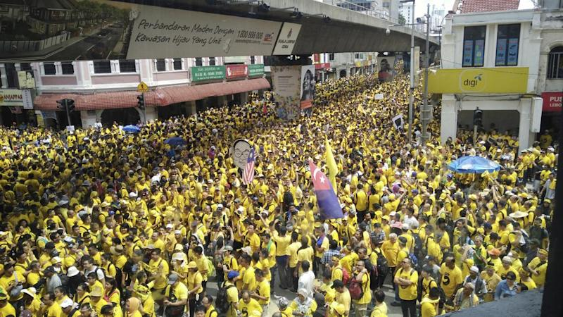 Thousands of protesters have rallied in Malaysia to call for the resignation of the prime minister.