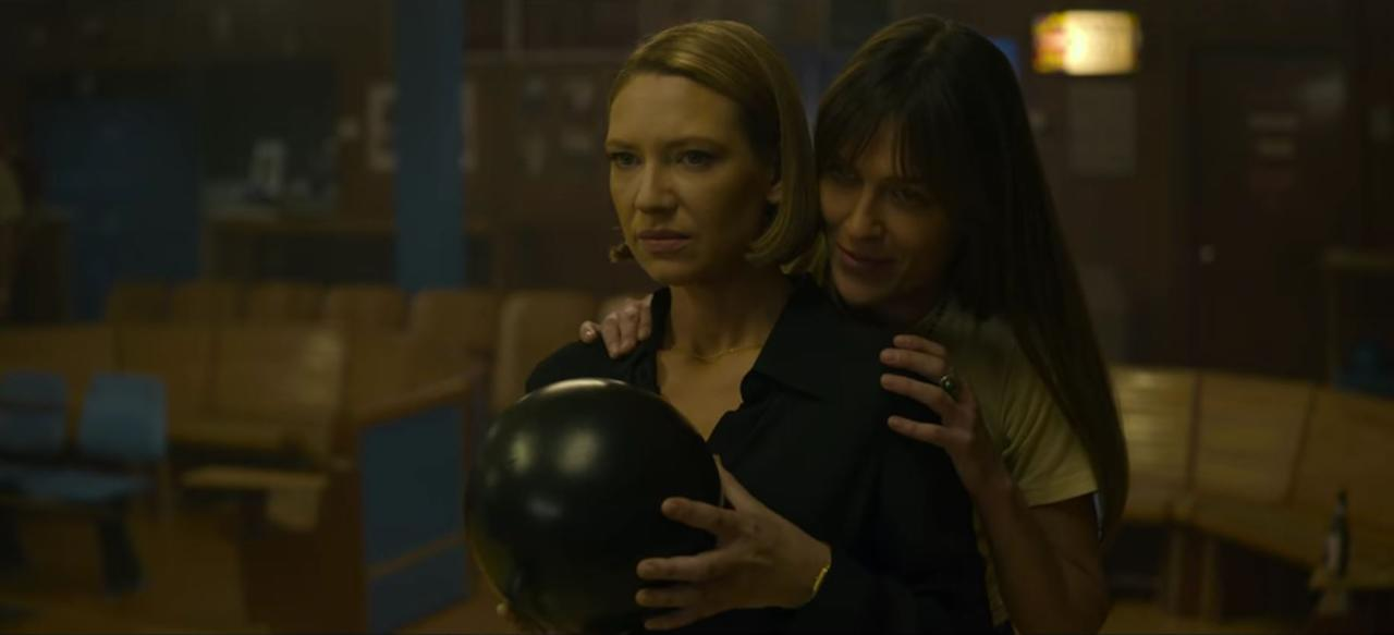 """<p>This season gives us a closer look at <a href=""""https://www.popsugar.com/entertainment/Who-Dr-Wendy-Carr-From-Mindhunter-Based-44148647"""" target=""""_blank"""" style=""""background-color: rgb(255, 255, 255);"""" class=""""ga-track"""" data-ga-category=""""Related"""" data-ga-label=""""https://www.popsugar.com/entertainment/Who-Dr-Wendy-Carr-From-Mindhunter-Based-44148647"""" data-ga-action=""""In-Line Links"""">Wendy</a>, the actual psychologist in the Behavioral Science Unit. Her colleagues and boss undermine her, even though she is perhaps the most competent interviewer on the team. When Bill and Holden are out, she takes the lead in interviewing killers while working with Gregg, most notably when they brief Elmer Wayne Henley Jr. and Paul Bateson. </p> <p>Then there's Wendy's love life. Wendy strikes up a relationship with the free-spirited bartender Kay. Things explode when Kay's ex and her son unexpectedly stop by, and Kay, who forgot that it was her weekend to see her son, tells them that nobody is over and refers to Wendy as a """"friend"""" who's not that important. Obviously, Wendy is hurt and leaves through the back door. When Kay tries to clear the air later on, they break up. </p>"""