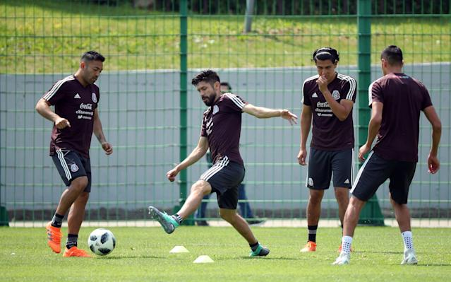Soccer Football - World Cup - Mexico Training - Mexico Training Camp, Moscow, Russia - June 18, 2018 Mexico's Oribe Peralta and Marco Fabian during training REUTERS/Albert Gea