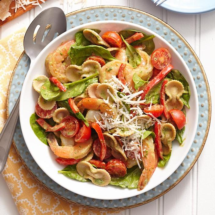 <p>This recipe has a tasty secret: the creamy sauce is made with nutritious avocado! Mix it together with multigrain pasta for a healthy dinner option.</p>