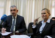 Deputy Special Representative of the UN humanitarian coordinator in Iraq Lise Grande (R) and Suhaib al-Rawi, Iraqi governor of the Anbar province, give a press conference in Baghdad on February 9, 2016 (AFP Photo/Sabah Arar)