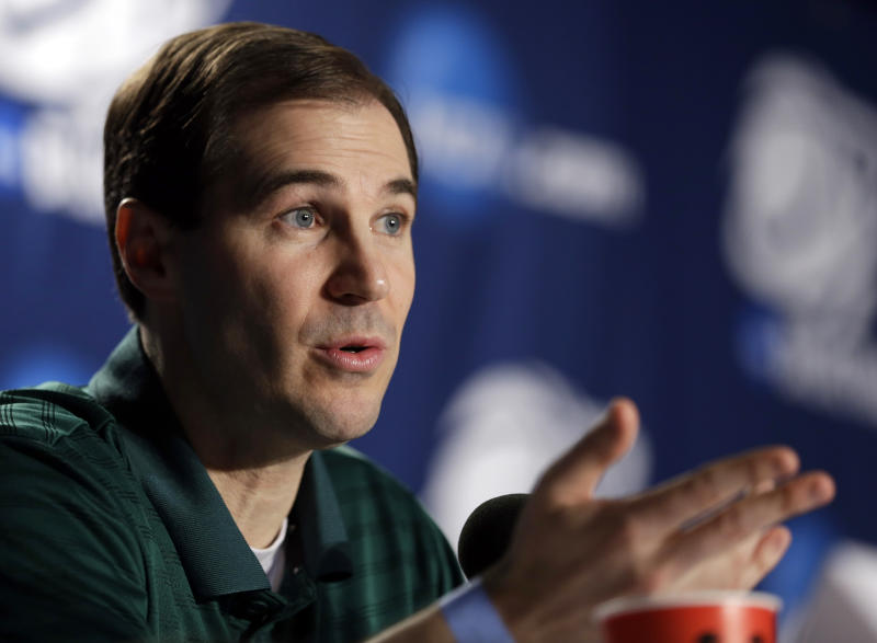 Baylor head coach Scott Drew speaks during a news conference Saturday, March 24, 2012, in Atlanta. Baylor plays Kentucky in an NCAA tournament South Regional final college basketball game on Sunday. (AP Photo/David J. Phillip)