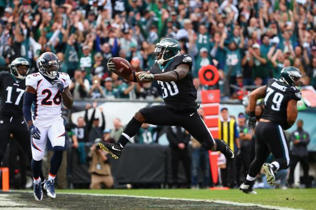 <p>Running back Corey Clement #30 of the Philadelphia Eagles leaps into the endzone to score a touchdown against the Denver Broncos during the first quarter at Lincoln Financial Field on November 5, 2017 in Philadelphia, Pennsylvania. (Photo by Mitchell Leff/Getty Images) </p>