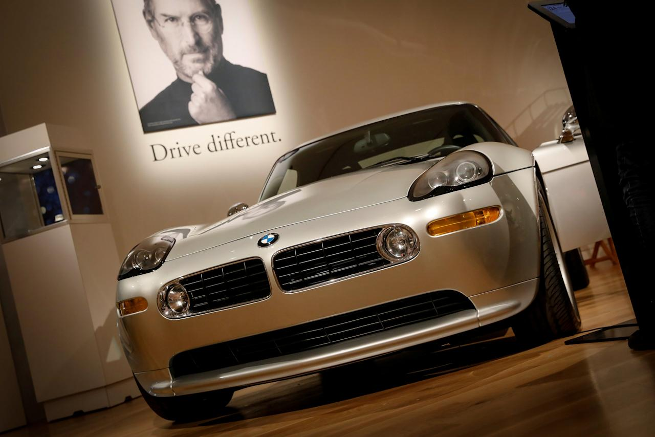 A 2000 BMW Z8 owned by Apple Founder Steve Jobs is displayed during a media preview for the 'RM Sotheby's Icons' sale at Sotheby's in New York, U.S., November 30, 2017. REUTERS/Brendan McDermid     TPX IMAGES OF THE DAY